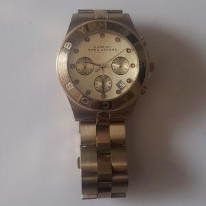 Marc Jacobs Mbm3101 Womens Quartz Watch